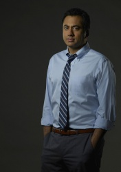"DESIGNATED SURVIVOR - ABC's ""Designated Survivor"" stars Kal Penn as Seth Wheeler. (ABC/Bob D'Amico)"