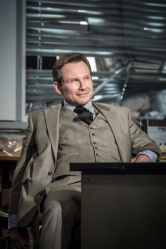 Christian Slater (Ricky Roma) - Glengarry Glen Ross at The Playhouse (c) Marc Brenner