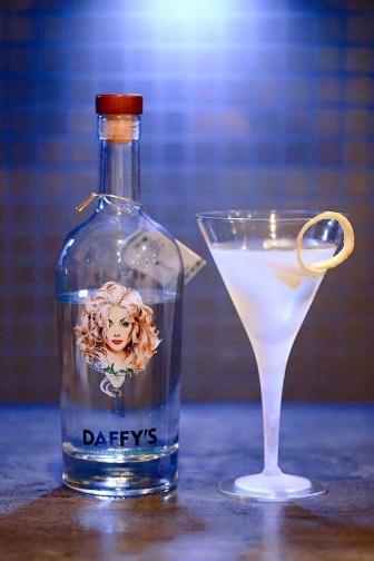 Daffy's Gin 2