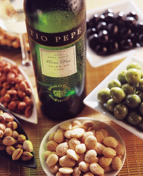 Tio Pepe & nuts selection