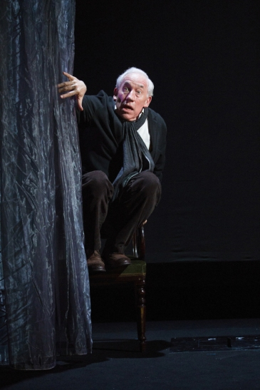 simon callow - a christmas carol - arts theatre - photo by laura marie linck (50)
