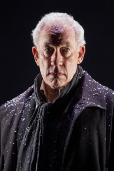 simon callow - a christmas carol - arts theatre - photo by laura marie linck (77)