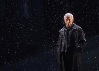 simon callow - a christmas carol - arts theatre - photo by laura marie linck (83)
